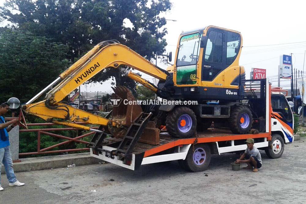 excavator whell 60 hyundai