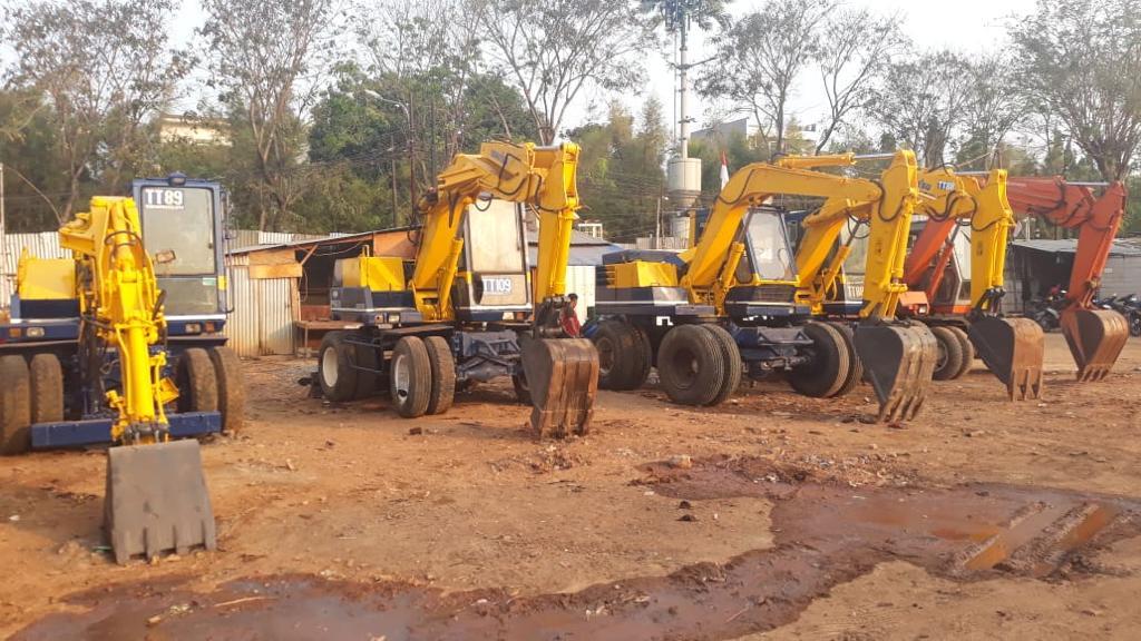 Excavator Roda Ban